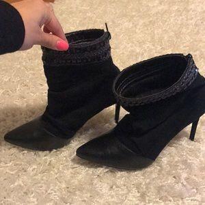 Black pointy heel booties